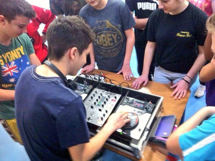 VINYLISTIC PROMUOVE NELLE SCUOLE DI PARMA IL CORSO PER DJ
